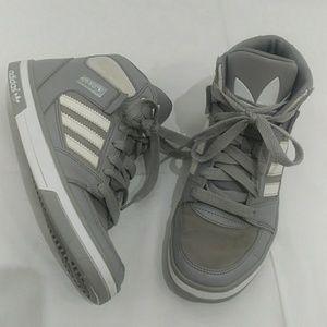 Adidas Originals Hard Court Hi big boys sz 5